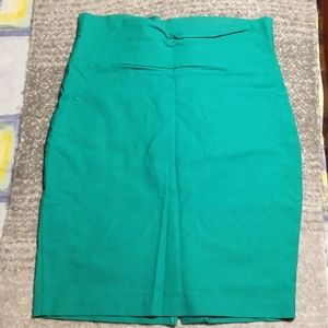 Green Suzy Sheir pencil skirt